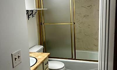 Bathroom, 1660 Woodland Dr, 2