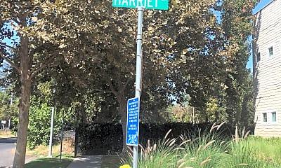 Harriet Lane Townhomes, 1