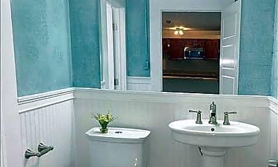 Bathroom, 801 E 2nd Ave, 2