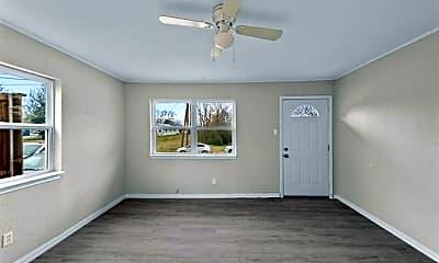 Bedroom, 706 N Alamo Rd, 1