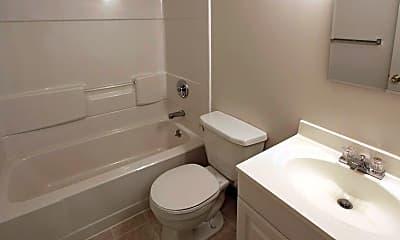 Bathroom, Niskayuna Gardens, 2
