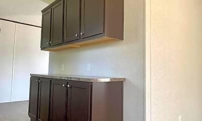Kitchen, 32 Rustic Pkwy 117, 1