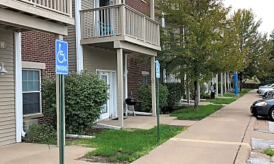 Perry Hill Apartments, 2