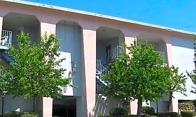 Building, 13705 Franklin St, 0