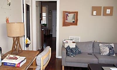 Bedroom, 946 N California Ave, 1