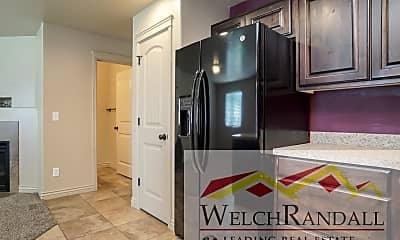 Kitchen, 303 W 1950 N, 2