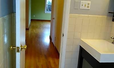 Bathroom, 450 S Locust St, 2