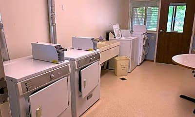 Kitchen, 2003 9th St E, 2