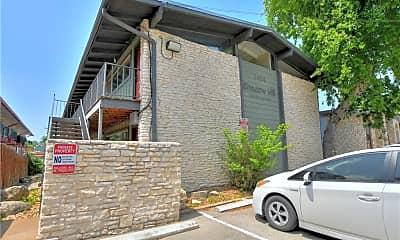 Building, 2404 Longview St 201, 2