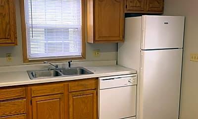 Kitchen, 2213 Roselawn Ave, 1