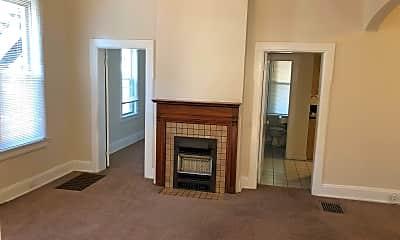 Living Room, 1441 Worthington St, 2