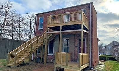 Building, 1027 Franklin St, 2