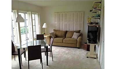 Living Room, 3150 N Palm Aire Dr, 1