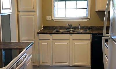 Kitchen, 1104 Alberta Cir, 1