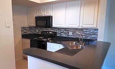 Kitchen, Polos Orlando, 1