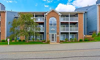 Building, Eagle Ridge Apartments, 1