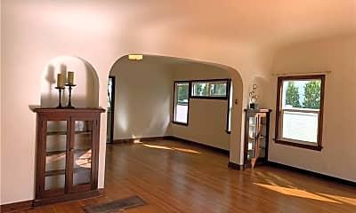 Living Room, 546 N Poinsettia Pl, 1