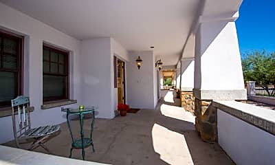 Living Room, 1007 N 3rd Ave, 1