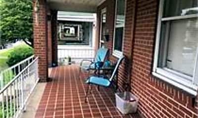 Patio / Deck, 1592 Washington St E, 1