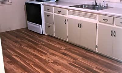 Kitchen, 949 Kellogg St, 1
