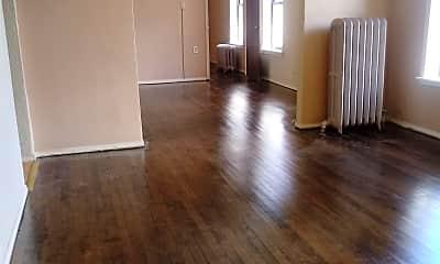 Living Room, 835 W Mitchell St, 0