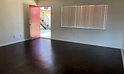 Living Room, 8190 Wheeler Ave, 2