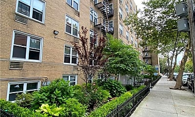 142-20 Franklin Ave 2, 0