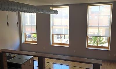 Living Room, 116 N Walnut St, 1