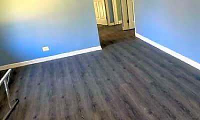 Living Room, 515 Willard Ave, 2