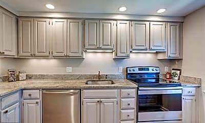 Kitchen, 2244 Washington Ave, 2