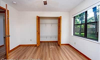 Bedroom, 910 Big Tree Rd, 2