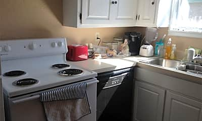 Kitchen, 2911 University Dr, 2