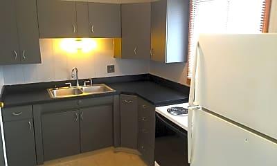 Kitchen, 5377 Crescent Dr, 1