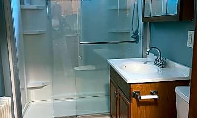 Bathroom, 172 W 24th St, 2