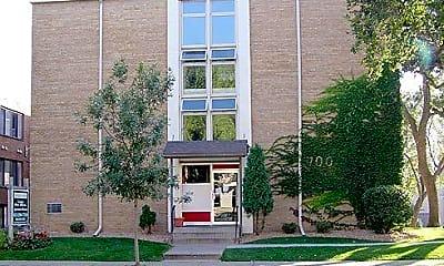 Building, 700 University Ave SE, 0