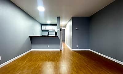 Living Room, 3025 Park Blvd, 1