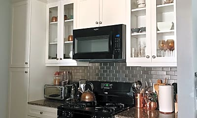 Kitchen, 2332 Scholarship, 1