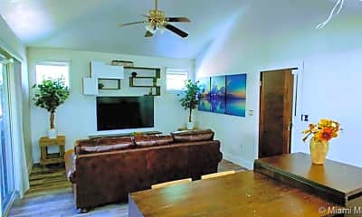 Living Room, 1531 NE 35th St 1211, 0