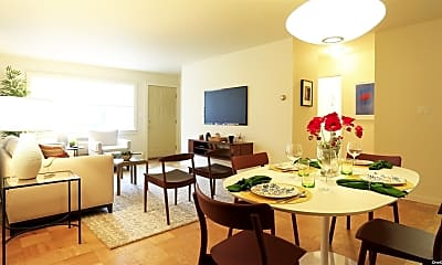 Dining Room, 27 Commodore Ln, 1