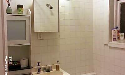 Bathroom, 5055 N Damen Ave., 2