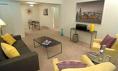 Living Room, 501 E Irving Ave, 1