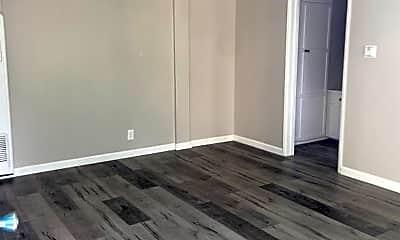Living Room, 4633 August St, 2