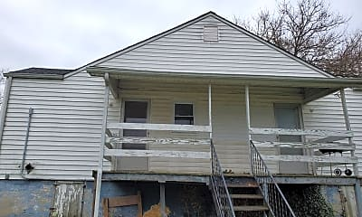 Building, 232 Walnut St, 1