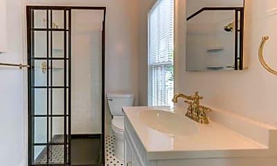 Bathroom, 817 Franklin St, 1