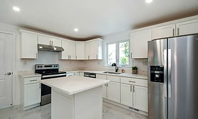 Kitchen, 31 Greendale Ave, 1
