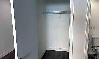 Bathroom, 6021 Carlton Way - 34, 2