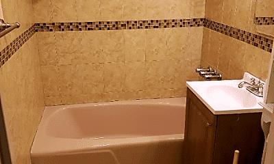 Bathroom, 3041 Matthews Ave, 1