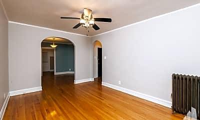 Bedroom, 4101 W Belmont Ave, 2
