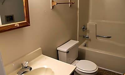 Bathroom, 124-126 Henry Ct, 2