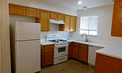 Kitchen, 701 Spotted Eagle St 0, 1